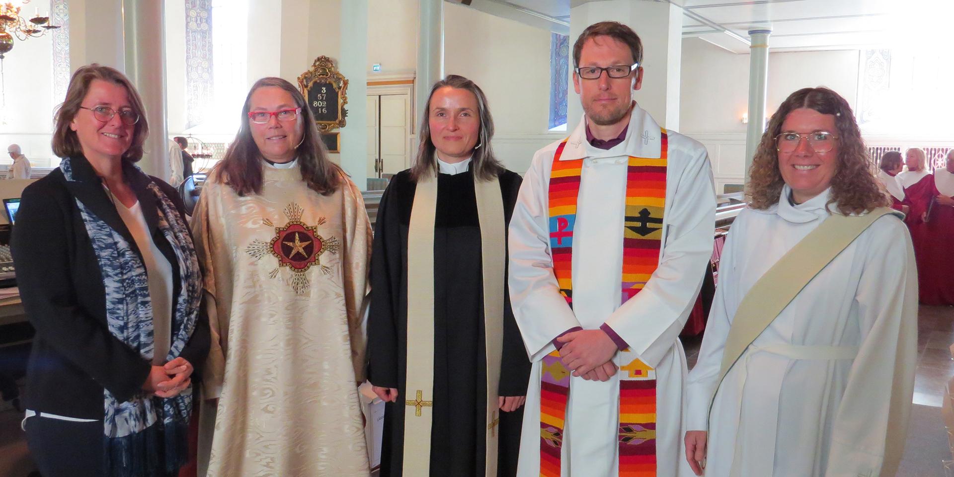 Ein Team aus dem Dekanat Neu-Ulm bei einem Besuch in der Partnerdiözese Skara.